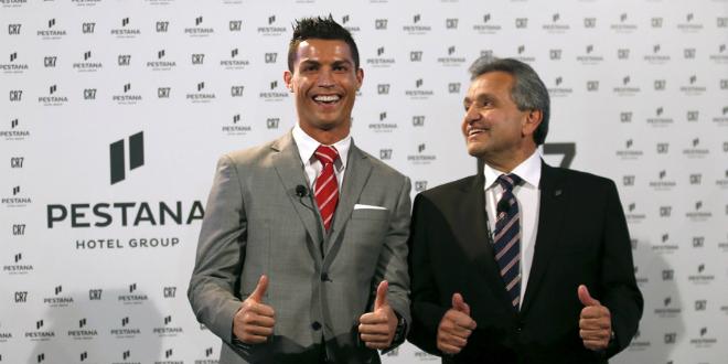 Cristiano Ronaldo avec Dionisio Pestana, président de Pestana Group.
