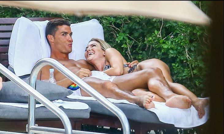 Le sexe anal et oral avec sa petite amie - ohpornovideocom