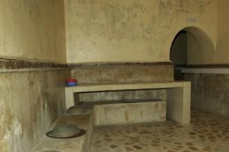 Meknès: une jeune fille photographiée nue dans un bain