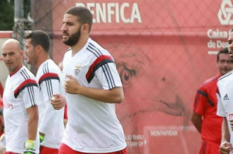 Adel Taarab va rester au Benfica