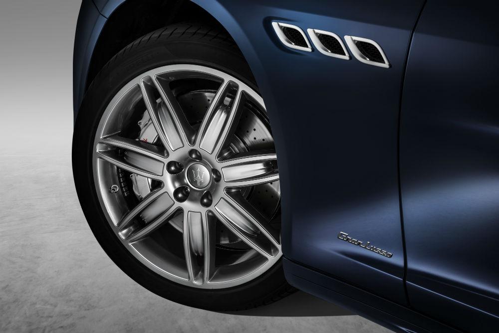 New Quattroporte S Q4 GranLusso_ID badge & details