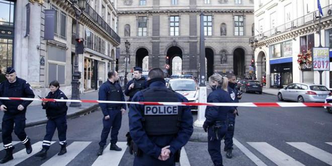 Urgent Un militaire agressé au Carrousel du Louvre