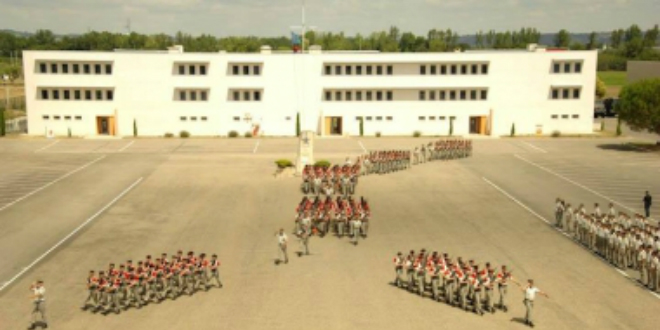 casernes militaires paris