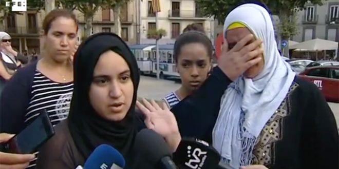 Les mères des jeunes impliqués dans l'attentat à Barcelone témoignent (VIDEO)