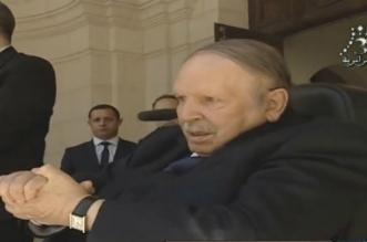 "Bouteflika serait ""maintenu en vie artificiellement"""
