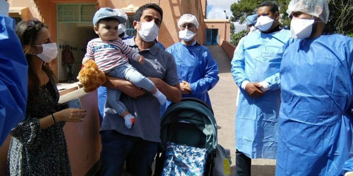 Guéri du Covid-19, le touriste française quitte le CHU de Marrakech (PHOTOS)