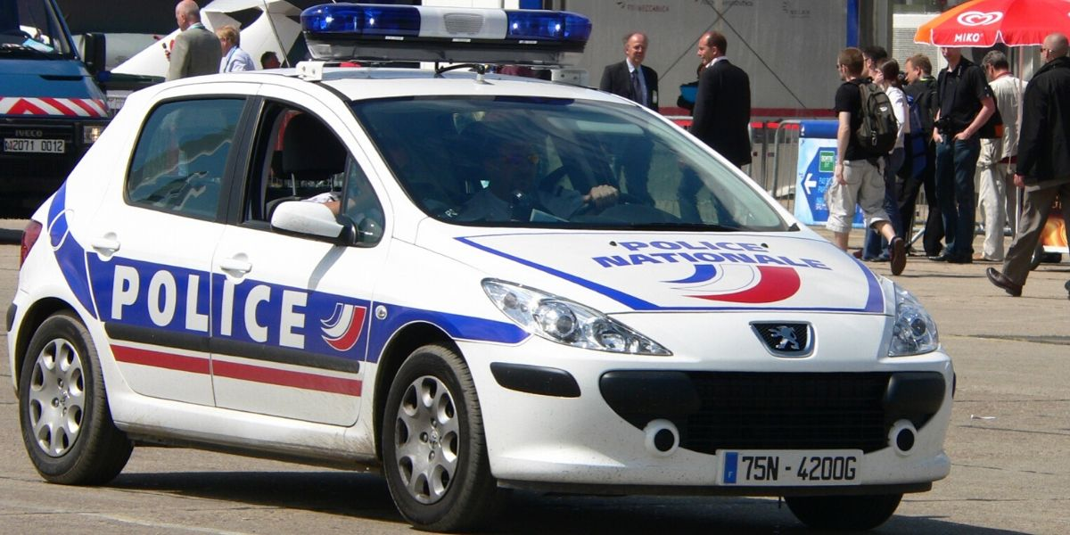 Plusieurs morts et blessés dans une attaque au couteau en France