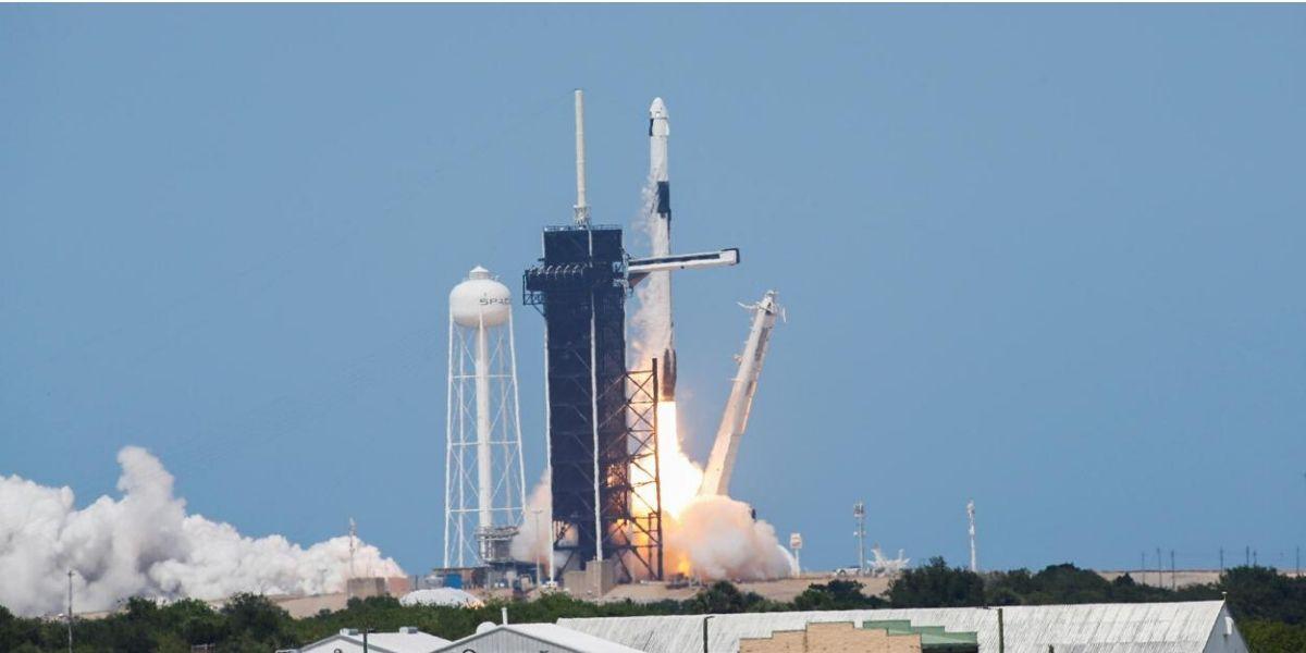 Lancement réussi pour le premier vol habité de la fusée de SpaceX