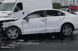 Casablanca: une voiture folle provoque d'importants dégâts sur l'autoroute (VIDEO)