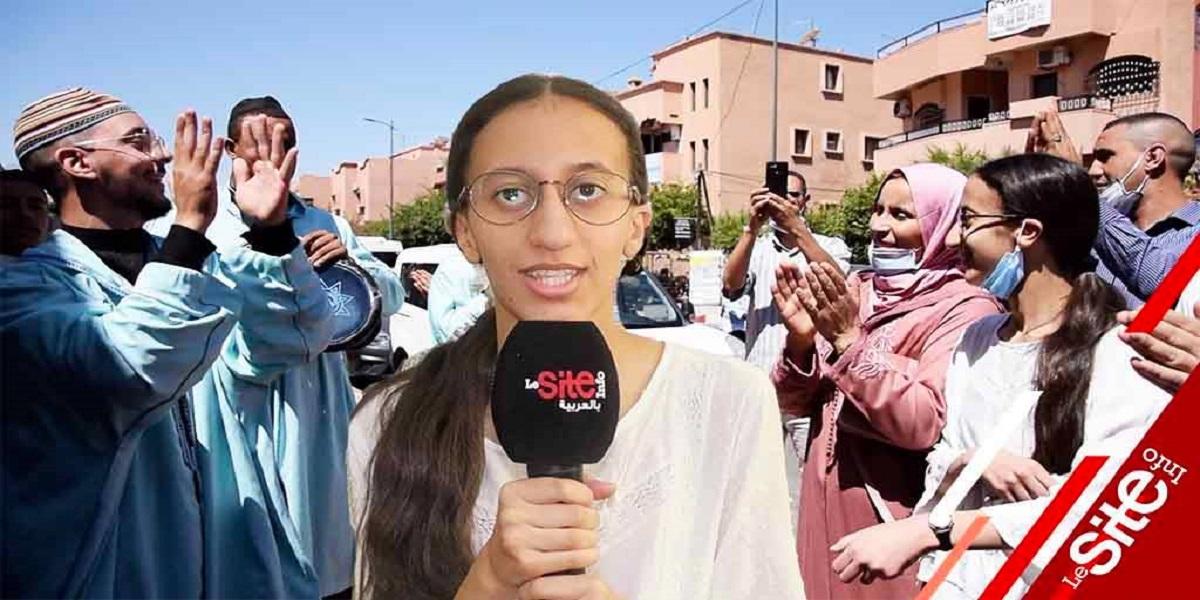 La meilleure bachelière du Maroc accueillie en héroïne dans son lycée (VIDEO)